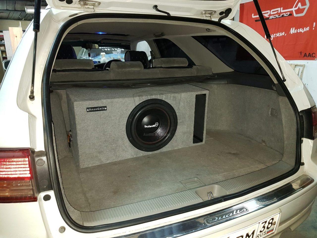 Система в Toyota Mark 2 Qualis