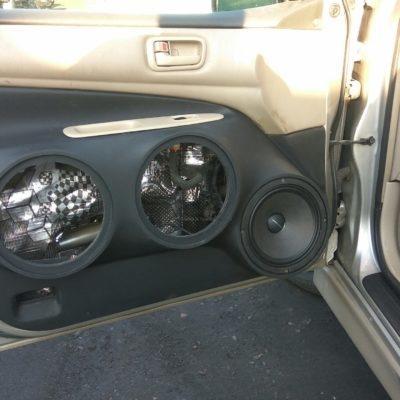 Громкий фронт на Toyota Vista Ardeo